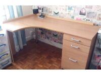 Good size corner desk complete with filing cabinet pedestal