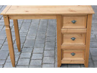 Small 3 draw pine desk ideal for home work or home office (H=740 W=1025 D=435)