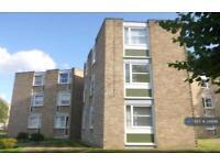 2 bedroom flat in Heathside, Weybridge, KT13 (2 bed)