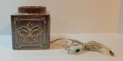 """Yankee Candle Electirc Wax Warmer 6"""" Wide 7.5"""" Tall, On/Off Switch. Model SPW-19"""