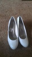 White Shoes - never worn - 7W