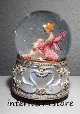 Spieluhr Schneekugel Glitzerkugel sitzende Ballerina mit Flügel sugar Plum Fairy