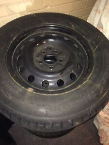 GM 5 bolt rims with snow tires Cambridge Kitchener Area image 1