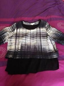 PureDKNY Ladies Black Patterned Blouse Size L Myrtleford Alpine Area Preview