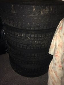 GM 5 bolt rims with snow tires Cambridge Kitchener Area image 2