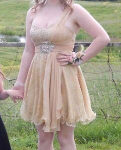 Beautiful short prom dress