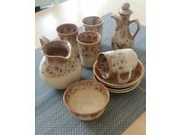 Fosters Honeycomb pottery set