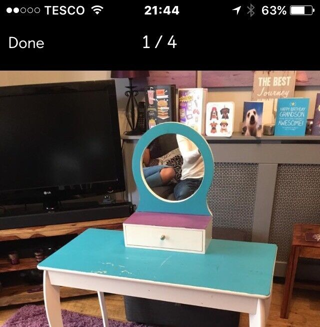Child's dressing table & mirror