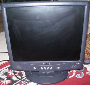 BENQ 17 inch LCD Monitor with built in speakers