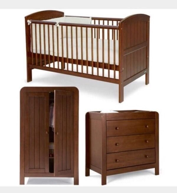 mamas and papas hayworth bedroom nursery furniture set in walnut