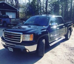 2013 GMC Sierra 4x4 Kodiak Edition with sunroof and leather