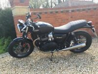 Stylish Triumph Street Twin Motorbike For Sale