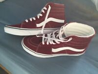 Vans Hi-Tops Size 9 (no box)