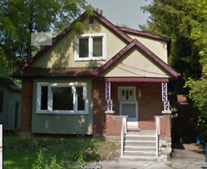 Room for rent just minutes from McMaster!