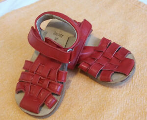 Leather toddler sandals size 21