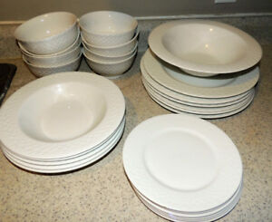 Bowring white 26 piece dinner set