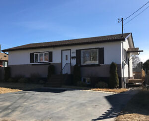 552 GRENVILLE AVE- $259,900