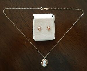 Cameo Necklace and Earrings Set - Gold
