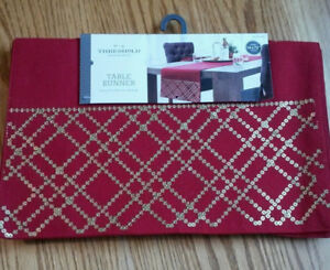 """Threshold Table Runner 14""""x72"""" Red/Gold for Dining BRAND NEW"""