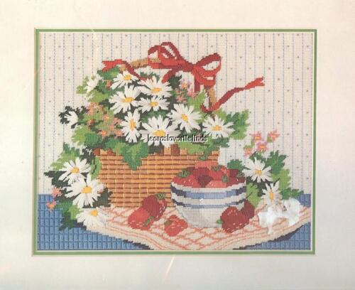 BASKET OF DAISIES Vintage Dimensions 1986 Needlepoint Kit #2309 Karen Avery NIP