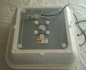 GQF Hovabator Incubator
