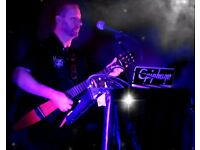 **PUB/CLUB SINGER/GUITARIST/ENTERTAINER AVAILABLE**
