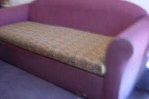 FREE..FREE..COUCHES..FREE..FREE Casula Liverpool Area Preview