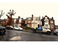 Foster & Edwards are pleased to present this newly refurbished 2 bedroom top floor flat.