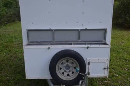 trailer camping 7' x  5'