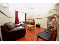 Spacious 3 double bedroom Flat in central location. Must see!