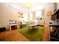 *SHORT LET* lovely 1 bedroom period property located just off Brixton hill