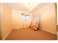 3 double bedroom flat with good bus/train links. ideal for sharers. is a must see!