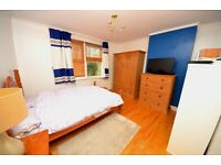 Foster & Edwards are pleased to present this furnished double room set in a lovely large house.