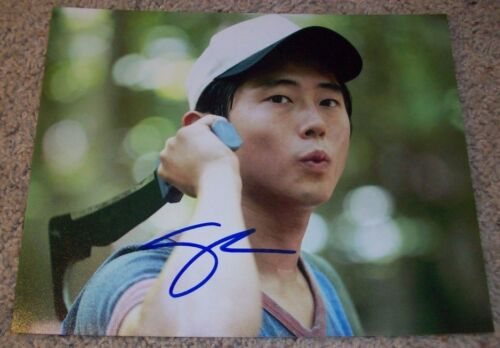 STEVEN YEUN SIGNED THE WALKING DEAD 8x10 PHOTO H w/PROOF AUTOGRAPH