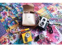 Kodak Brownie Reflex 20 Camera and FlashHolder 4