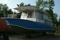 1970 River Queen 40' Houseboat for sale
