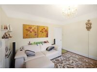2 bedroom flat in Grove End Road, St Johns wood NW8