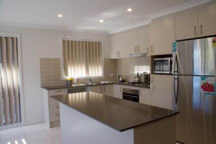 (Female Only) Beautiful ensuite in modern share house Ngunnawal Gungahlin Area Preview