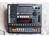 Yamaha SU700 in OK condition complete with 68 MB of memory and approx. 100 floppy disks