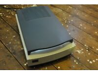 Umax Powerlook 1120 scanner with transparency holders