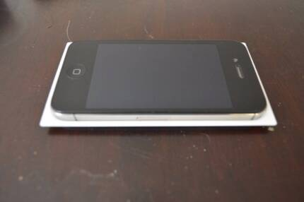 Iphone 4S black 8Gb with docking station Seaford Meadows Morphett Vale Area Preview