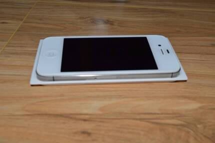 Iphone 4S White 8Gb with docking station Seaford Meadows Morphett Vale Area Preview