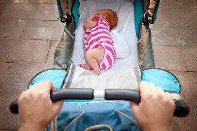 Regelmäßige Rituale wirken beruhigend auf dein Baby. Dazu gehört auch der tägliche Spaziergang.