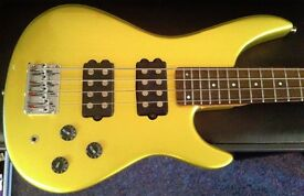 Wesley Fusion Bass in Gold
