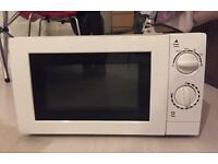 George Microwave GMM101W 700W