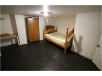 Lower Ground Floor Flat - 10 Minute Walk To Huddersfield Town & Uni - Leeds Road, HD2