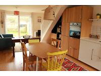 2 Bedroom House in Quiet Cul-De-Sac - Beautifully Refurbished