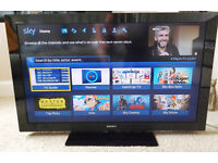 Sony Bravia TV KDL40CX520 40 inch LCD TV Swivel Stand, remote with Freeview