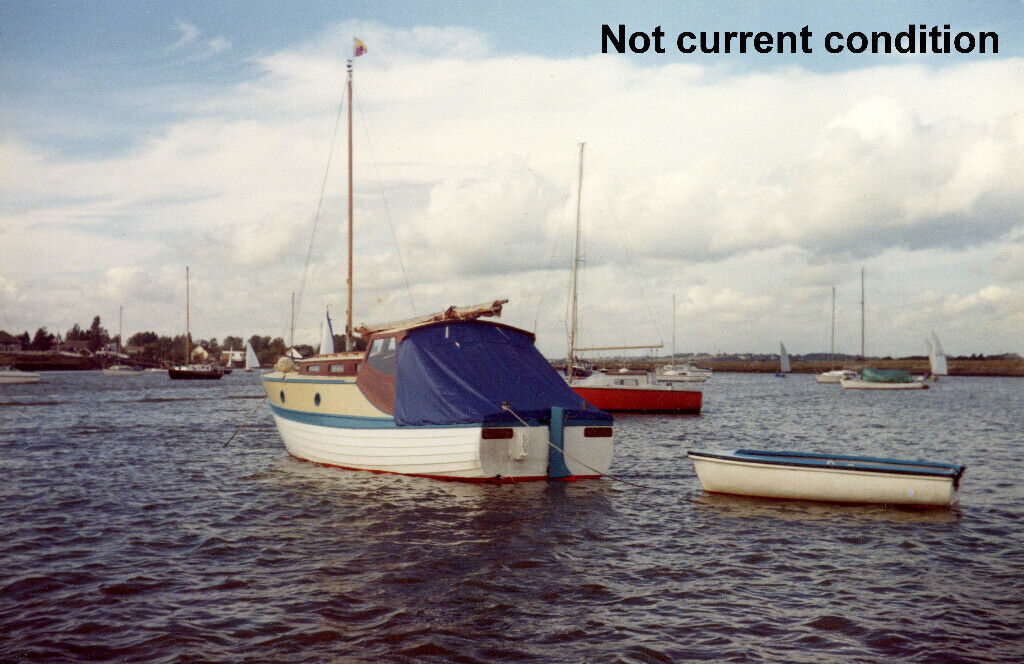 classic wooden 25 foot motor boat - restoration project   in epping, essex    gumtree