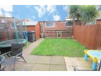 LOVELY 3 BED HOUSE WITH GARDEN